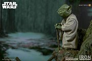 Star Wars Episode V Legacy Replica Statue 1/4 Yoda 30 cm --- DAMAGED PACKAGING