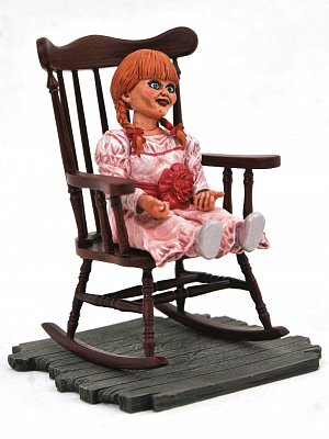 The Conjuring Universe Horror Movie Gallery PVC Statue Annabelle 23 cm --- DAMAGED PACKAGING